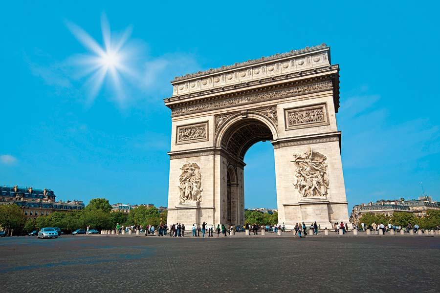 Arc de Triomphe, Paříž, Francie
