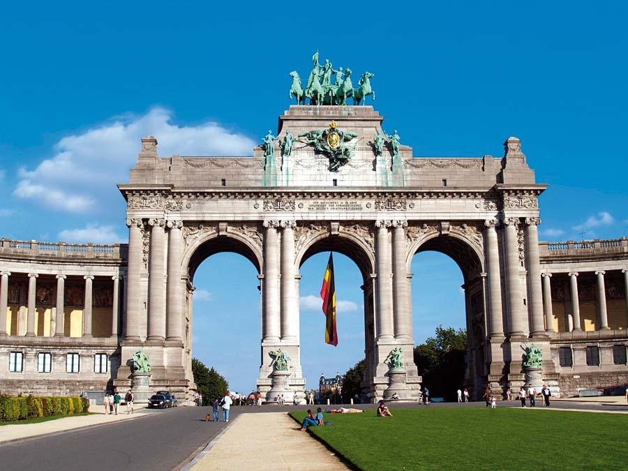 Triumphal arch in Parc du Cinquantenaire, Brusel, Belgie