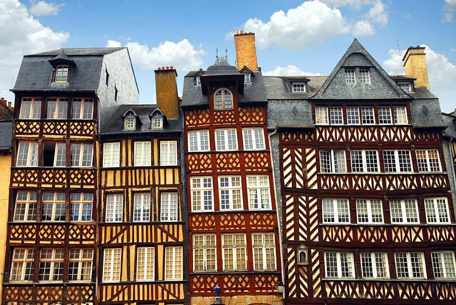 Křivé středověké domy, Rennes, Francie