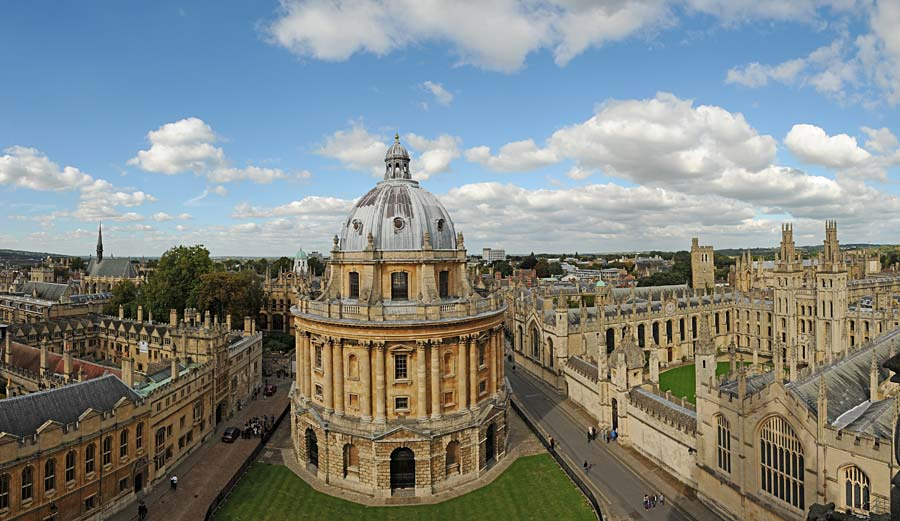 Radcliffe Camera a All Souls College, Oxford, Anglie