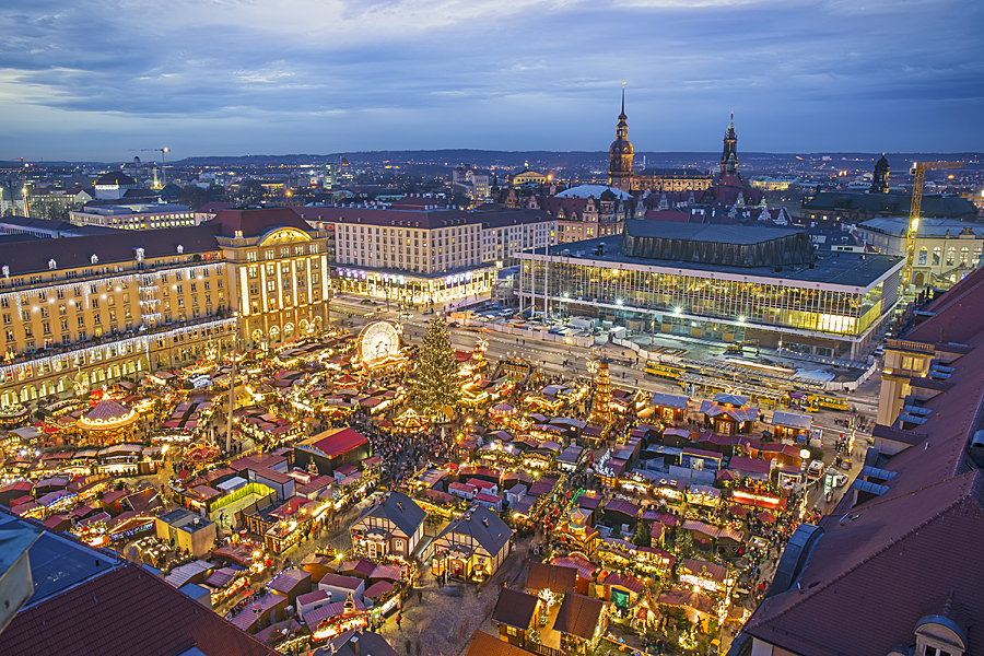 Nemecko Dresden, Striezelmarkt - shutterstock_532257913.jpg