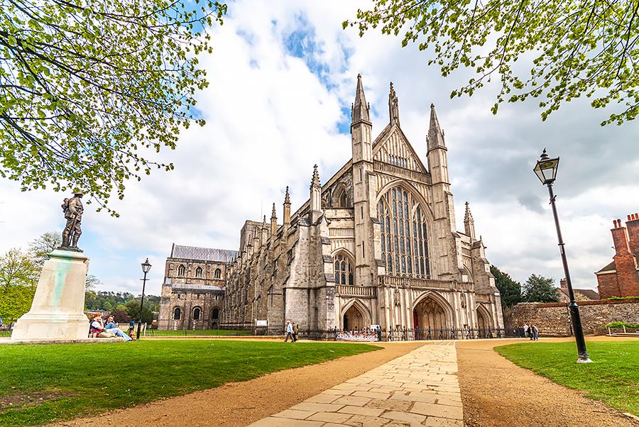 Příběh nejdelší katedrály