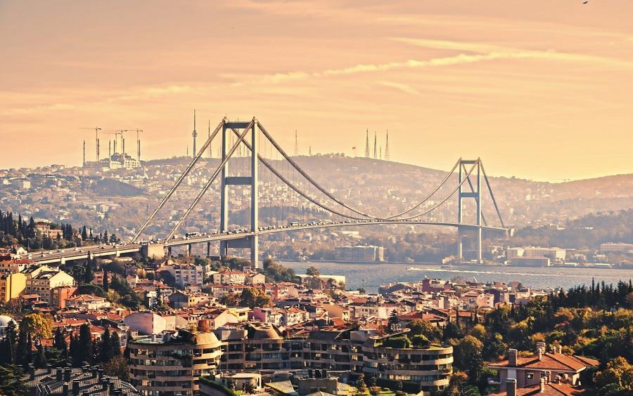 Turecko Istanbul, most Yavuz Sultan Selim