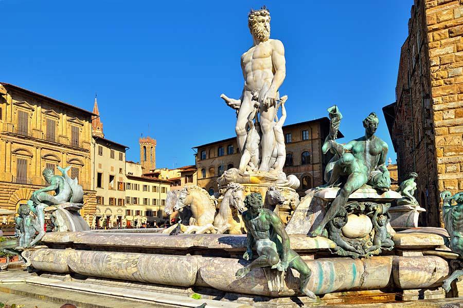 Fontana del Nettuno na náměstí Piazza della Signoria, Florencie, Itálie