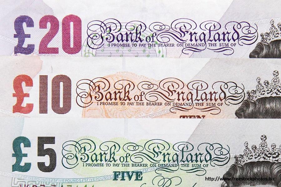 Anglie, bankovky.jpg