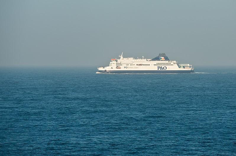 Anglie trajekt Calais - Dover 2.jpg