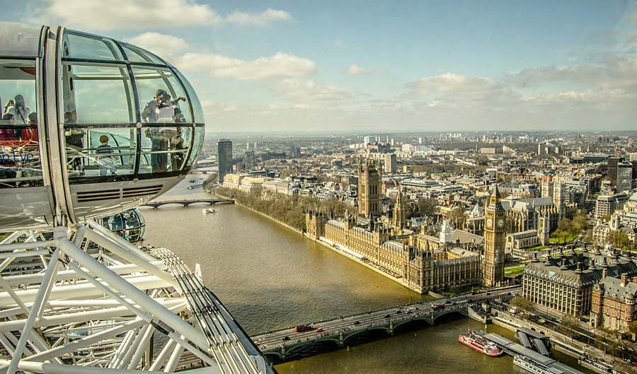London Eye - pohled na Westminster, Londýn, Anglie