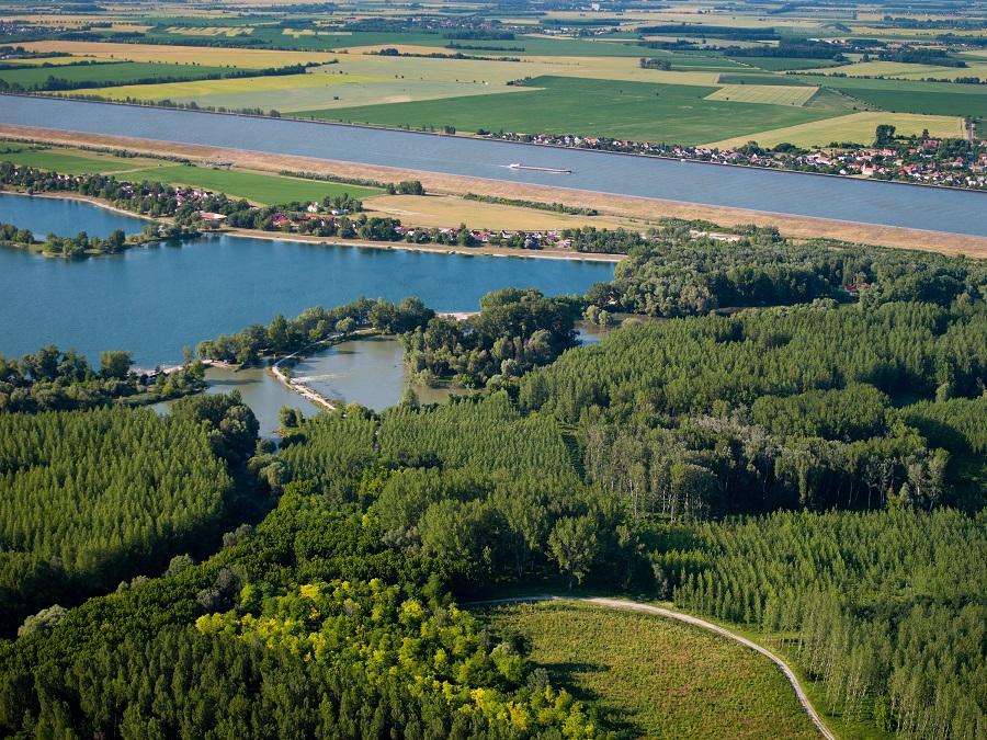 Slovensko Gabcikovo, kanal rameno Dunaj