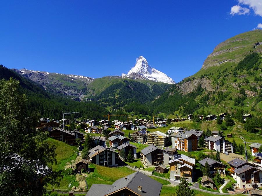 Švýcarsko Zermatt, pohled na městečko