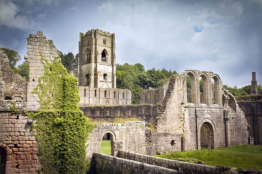 Fountains Abbey, Anglie