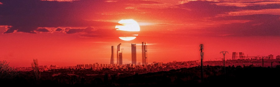 Spanelsko Madrid, Cuatro Torres - Pixabay 5013143_1920.jpg