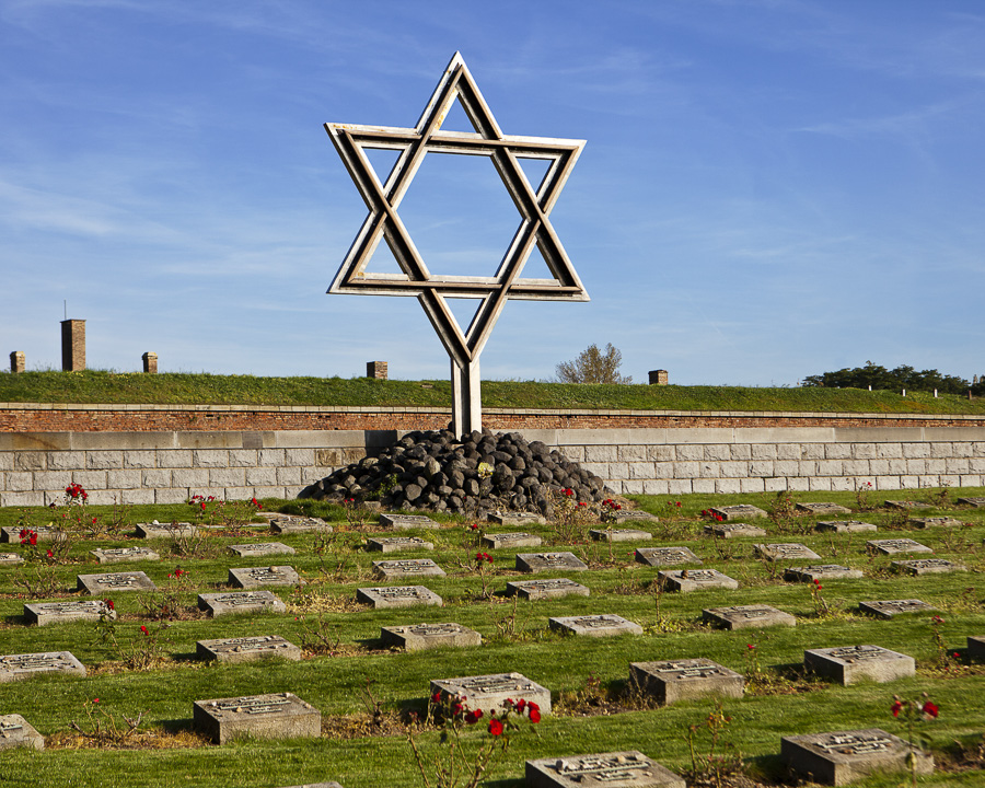 Ceska republika Terezin, zidovsky hrbitov