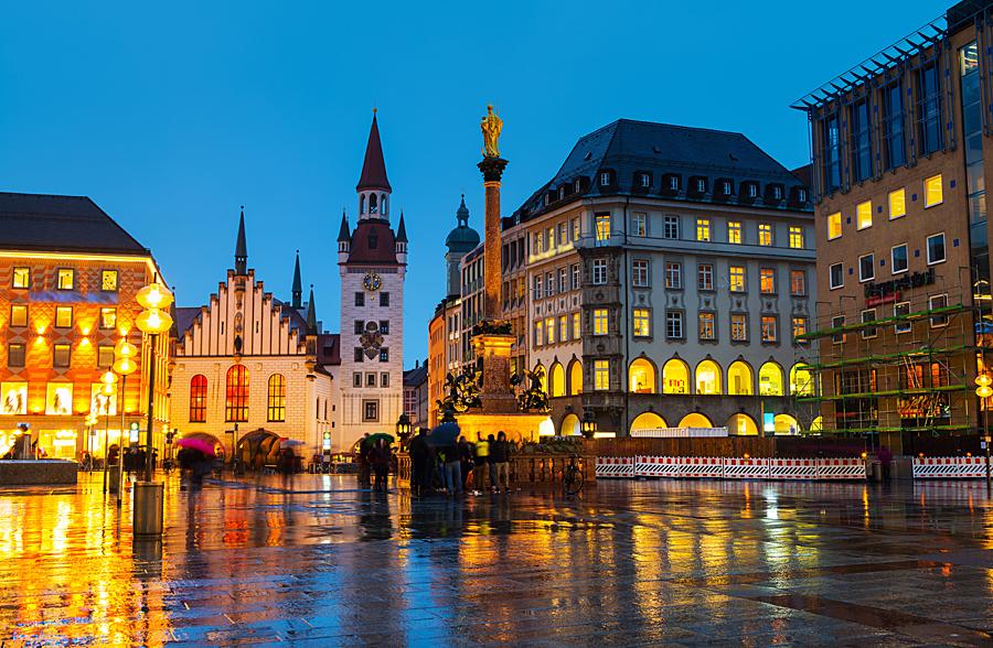 Nemecko Mnichov, Marienplatz - shutterstock_435900526.jpg