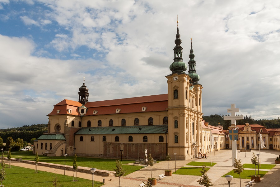 Česko, Velehrad, pohled na velehradskou baziliku