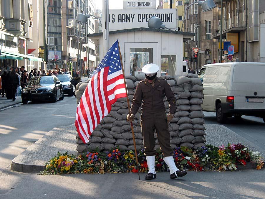 Checkpoint Charlie, Berlín, Německo
