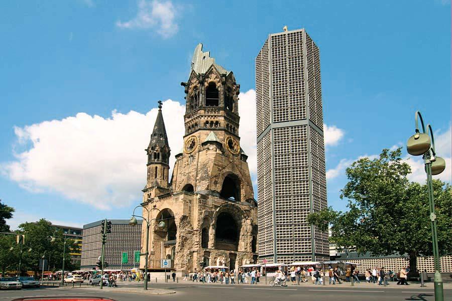 Gedächtnisskirche, Berlín, Německo.jpg