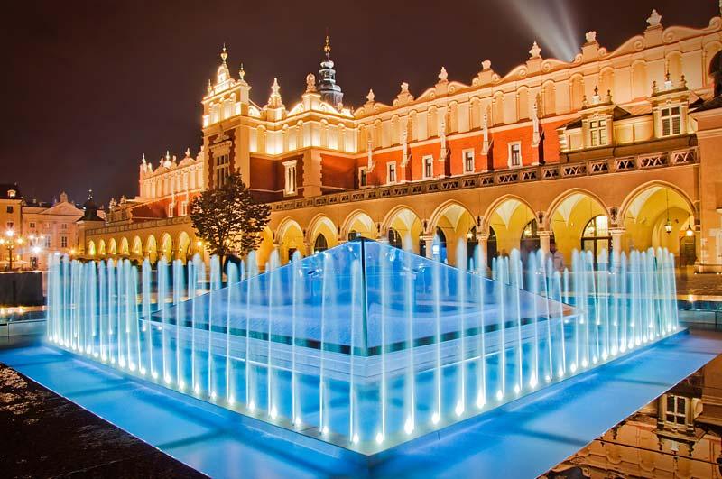 fontána na Rynku, Krakow, Polsko