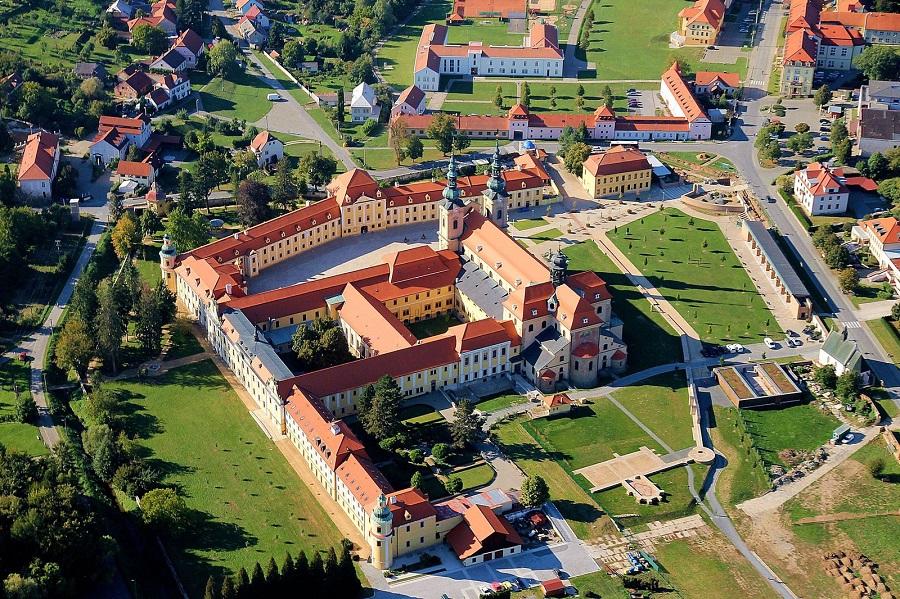 Česko, Velehrad, ptačí pohled na poutní areál