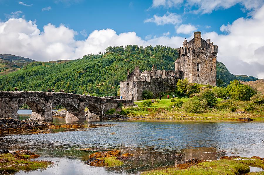 Skotsko Eilean Donan Castle 4 R.jpg