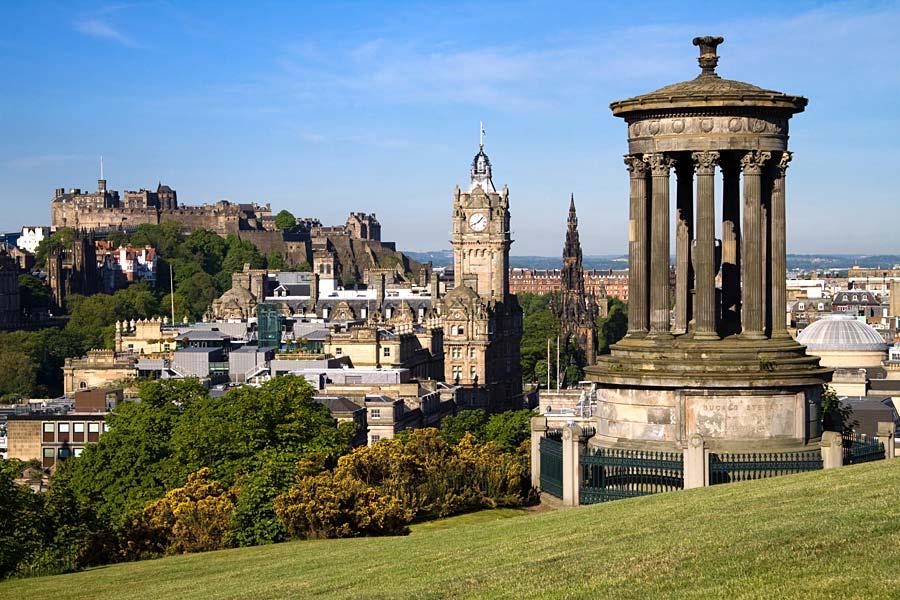 Pohled na Edinburgh z Calton Hill, Skotsko