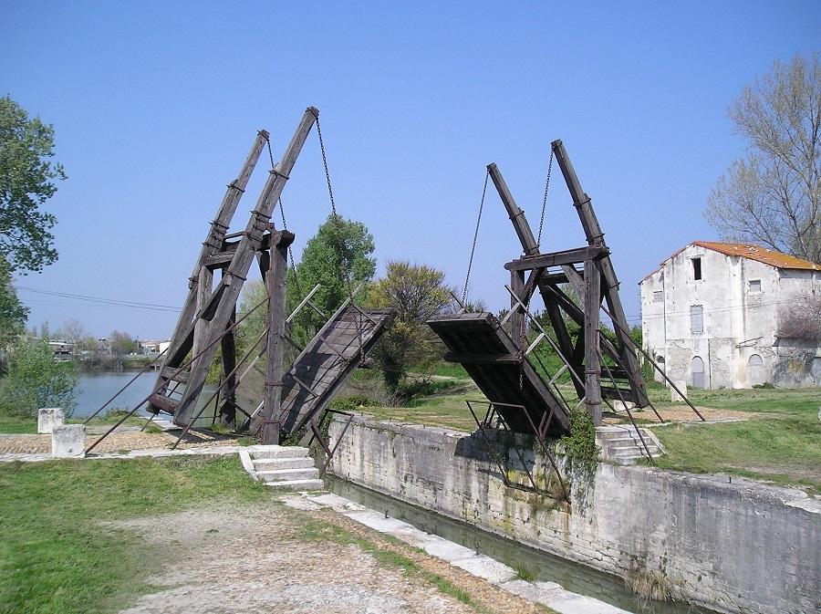 Francie Provence, most, van Gogh