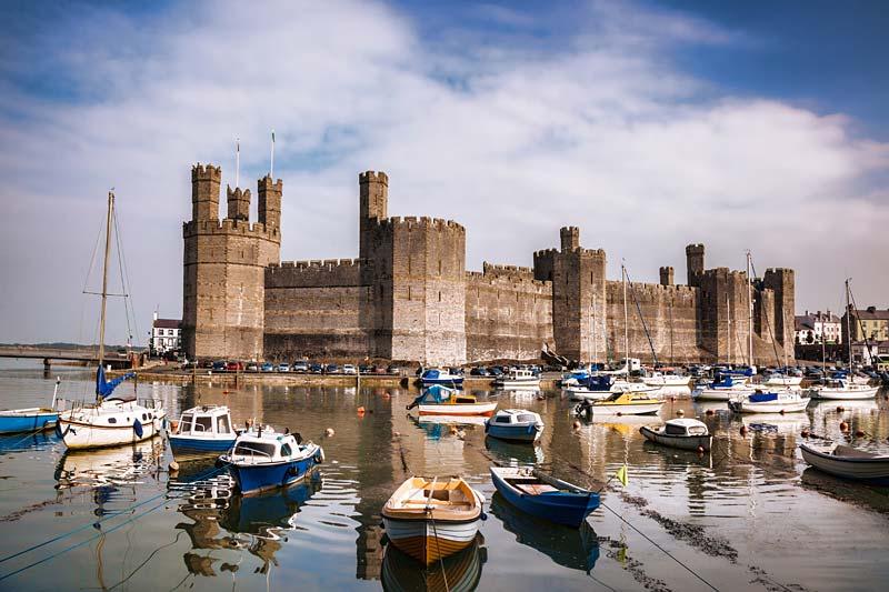 Wales Caernarfon Castle - shutterstock_217207693.jpg